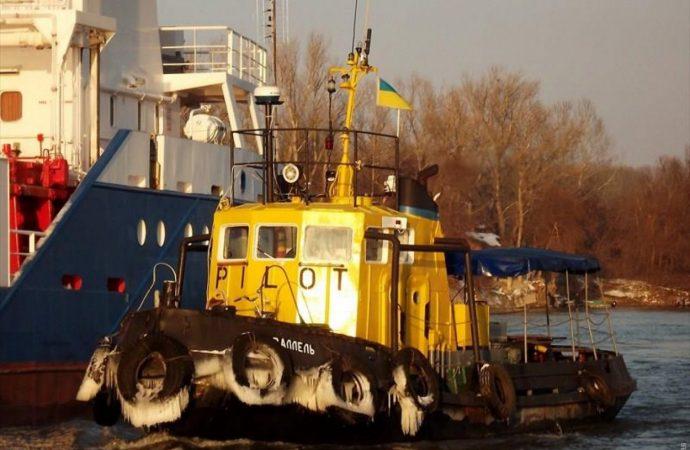 Спасен экипаж судна, которое попало в шторм под Одессой
