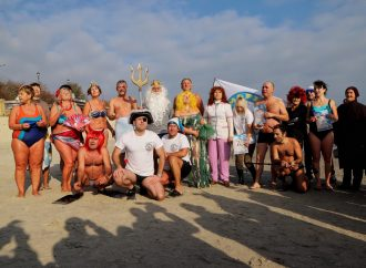 Команда одесских моржей пополнилась новичками в международный День моржа