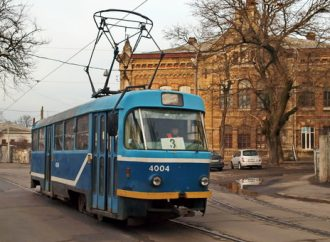 ДТП на Люстдорфской дороге остановило работу двух трамваев