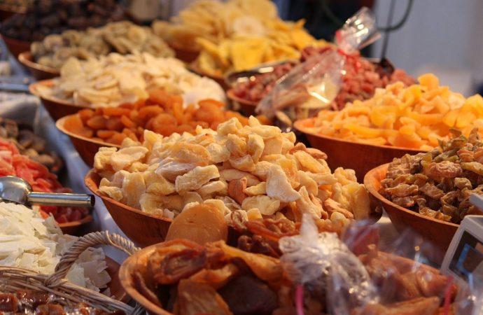Какой новогодний стол без орехов и сухофруктов?