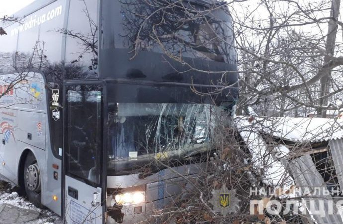Автобус, доставляющий одесситов в Италию, попал в аварию под Винницей