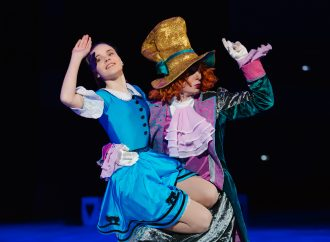 Впервые в Одессе, новое уникальное ледовое шоу «Алиса в стране чудес»!
