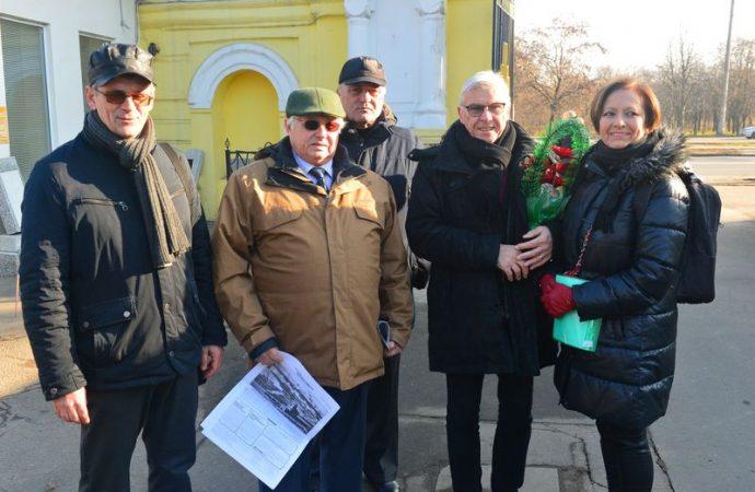 Из Франции — с любовью: внук одесского легендарного издателя почтил память своего деда