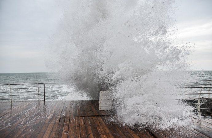 Погода 25 декабря. Сильные осадки и хлесткий ветер ожидаются в Одесской области