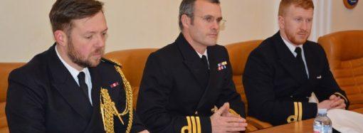 Корабль ВМС Великобритании пробудет в Одессе еще два дня