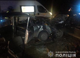 Два человека погибли и еще 4 травмированы в аварии под Одессой