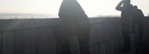 Молодой рыбак исчез в море во время шторма