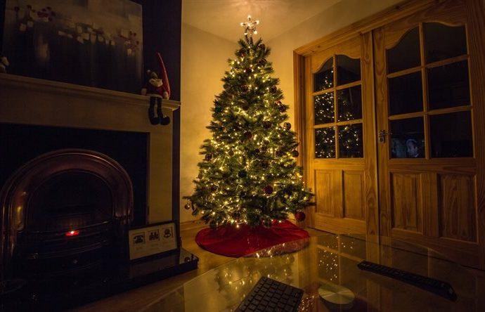 Как и чем безопасно украсить елку
