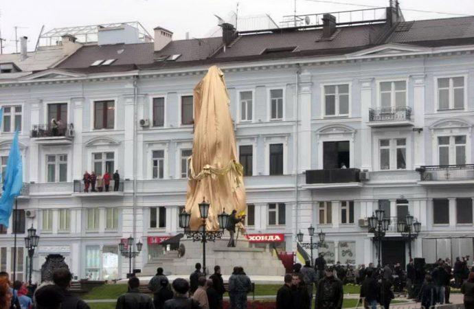 Чем вспоминается предыдущий «свинский» 2007 год в Одессе, и не только?