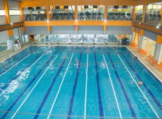 Где в Одессе можно поплавать в несезон?