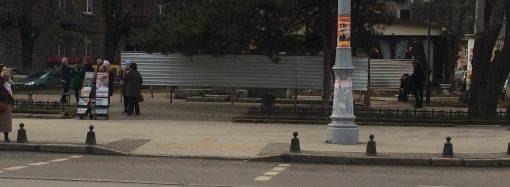 Скульптуру «Петя и Гаврик» в центре Одессы демонтировали
