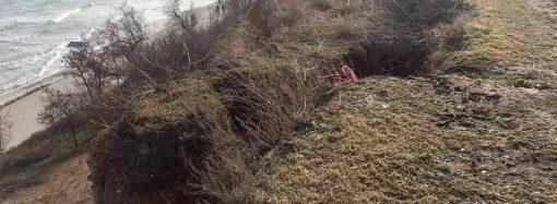 Склон на 16-й станции Фонтана продолжает разрушаться