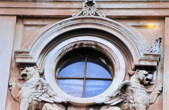 Как реальные и мифические животные стали охранными символами одесских зданий