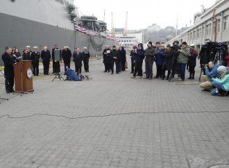 Курт Волкер в Одессе: встретился с журналистами и посетил американский эсминец