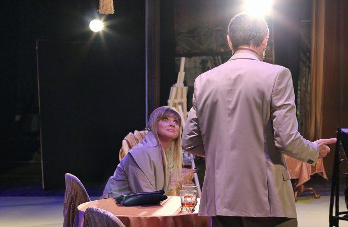 Сцена из спектакля «Ночь ее откровений»