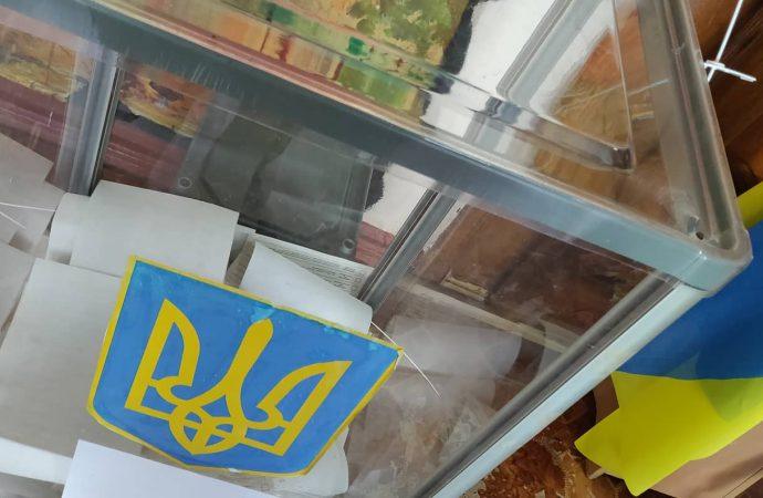Более 20 тысяч человек сменили место голосования на Одесскую область
