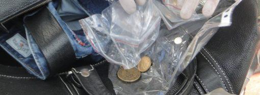 Одесские таможенники предотвратили вывоз из Украины раритетных монет и медалей