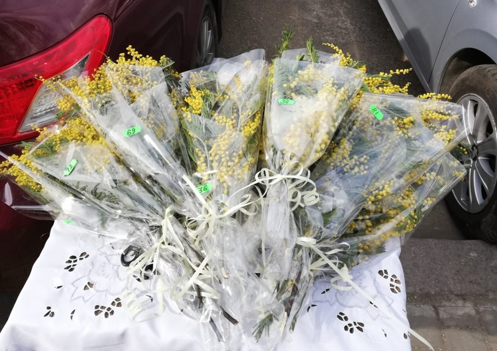 цветы 8 марта