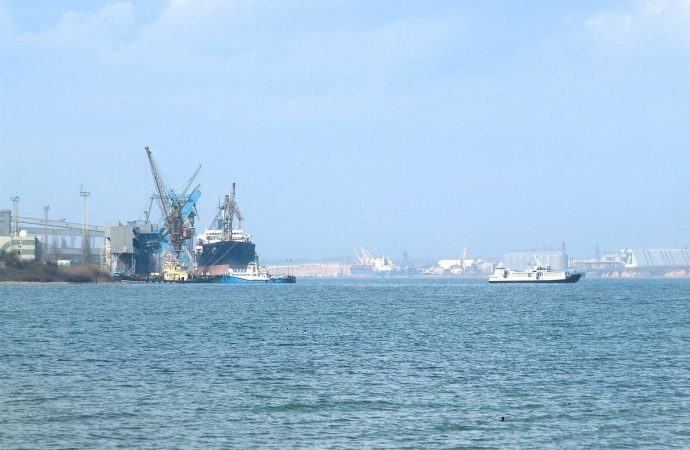 """Кабмин переименовал порт """"Южный"""""""