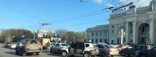 Из-за ДТП возле одесского ж/д вокзала собралась пробка