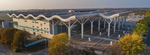 Взлетку Одесского аэропорта достроят до конца года