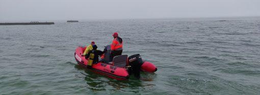 Подготовка к купальному сезону: водолазы начали очищать дно одесских пляжей