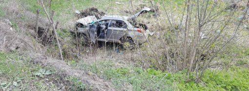 Один погиб, двое травмированы: в Одесской области машина съехала в кювет