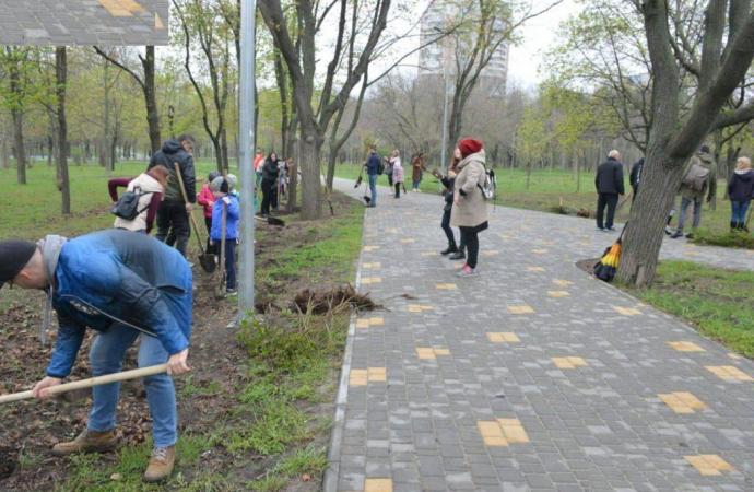 Еще одна аллея сирени появилась сегодня в Одессе