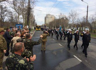 Курсанты-моряки прошлись торжественным маршем в честь Дня освобождения Одессы