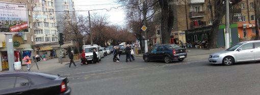 Разгрузить Генуэзскую: на соседних улицах хотят ввести одностороннее движение