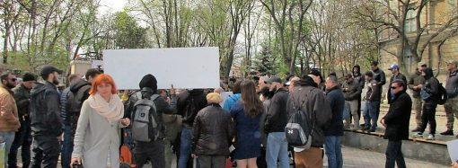 Агрессивный брифинг: как обсуждали судьбу Летнего театра в Горсаду