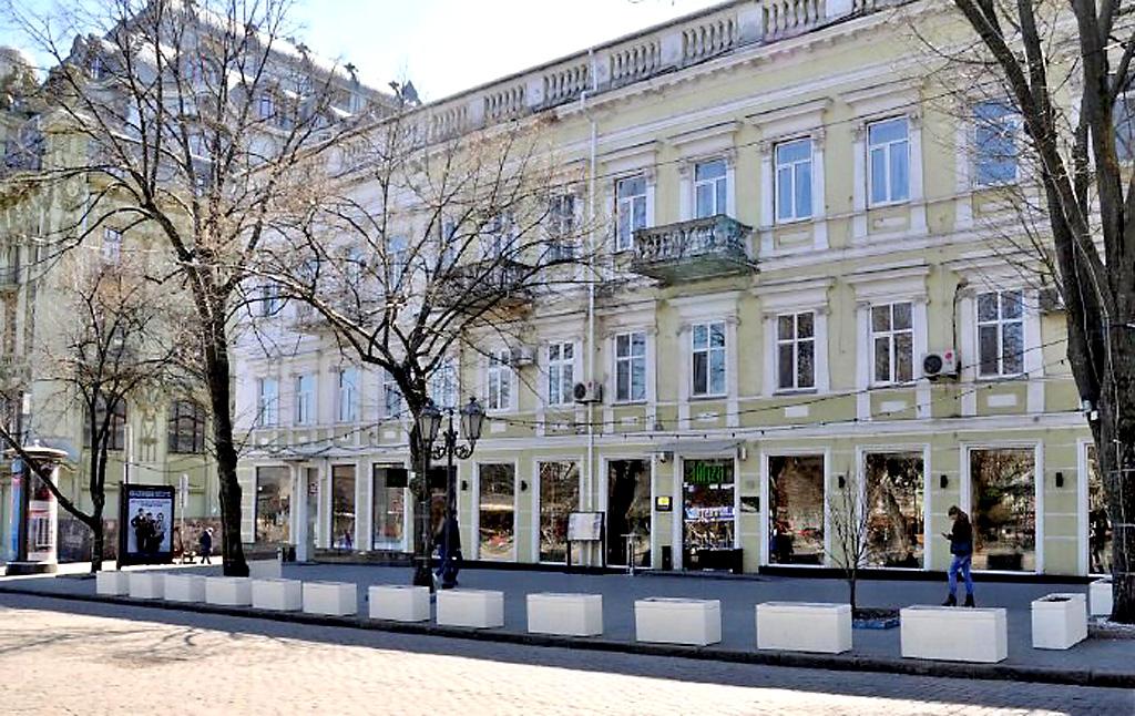 Здание на Дерибасовской 31 в Одессе, по проекту Бернардацци