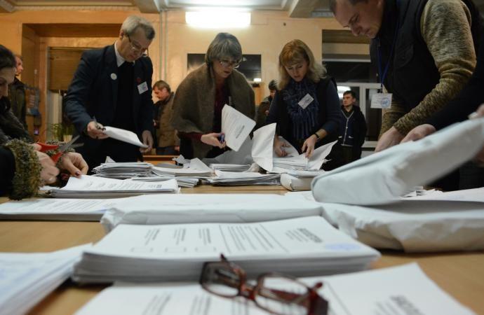 Подсчет продолжается: по Одесской области обработано 96% бюллетеней, есть два лидера
