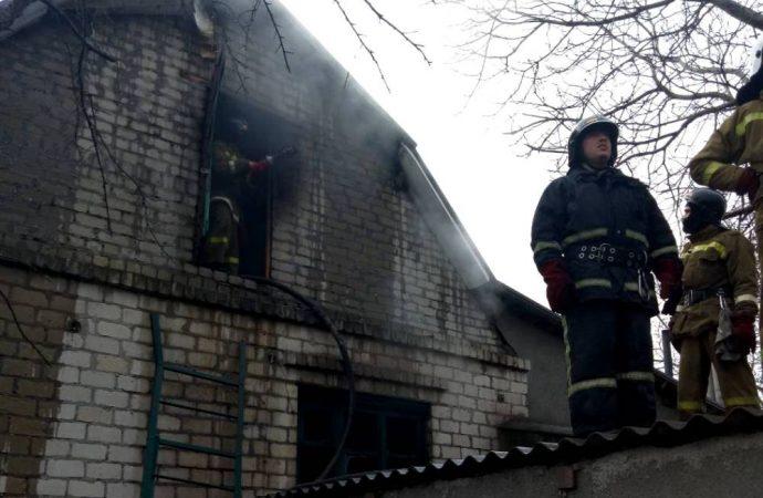Более 20 человек тушили пожар в Одесской области: есть погибший
