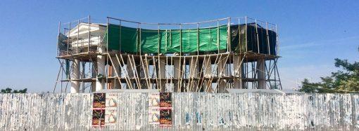 Воронцовская колоннада пока в строительных лесах, но ремонт обещают завершить на следующей неделе
