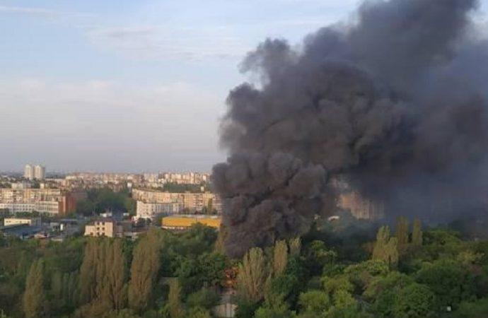 Частный дом или бывший военный склад: что горело утром на 3-й станции Люстдорфской дороги?