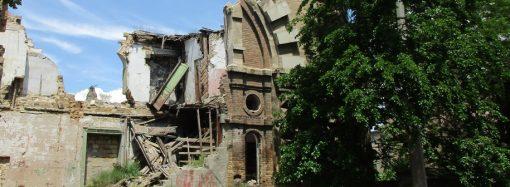 Одесситы взывают к городской власти: Масонский дом «заблагоухал» к лету