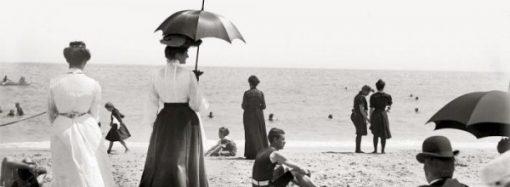 Платные купальни и «блюстители нравственности»: как одесситы отдыхали на пляже в XIX веке
