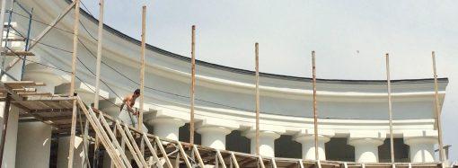 Воронцовскую колоннаду начали освобождать от строительных лесов