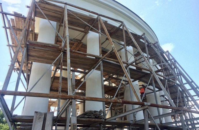 Реконструкцию Воронцовской колоннады завершат в июле – если не помешает погода