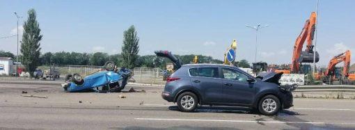 ДТП с переворотом произошло на выезде из Одессы