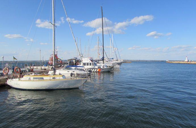 Зеленский пригласил арабских бизнесменов инвестировать в яхтенную гавань в Одессе