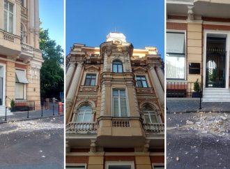 Кариатиду, упавшую с дома Навроцкого на Ланжероновской, вернут на место