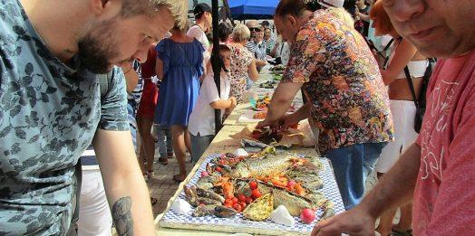 Как в одесском Летнем театре готовили одесскую рыбу-фиш
