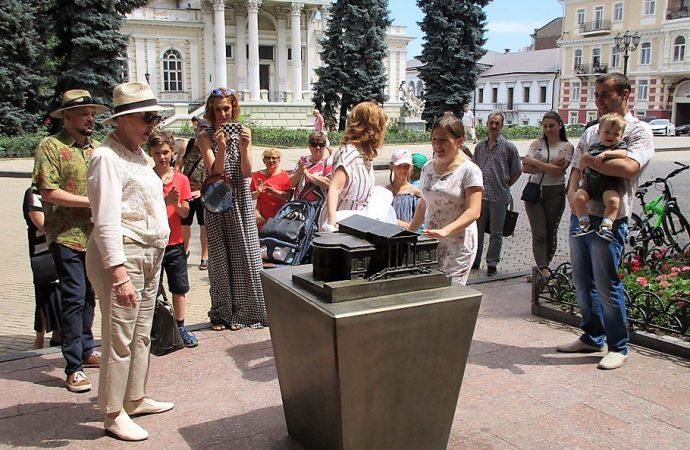 Одесская Городская дума, Археологический музей и Английский клуб обзавелись двойниками