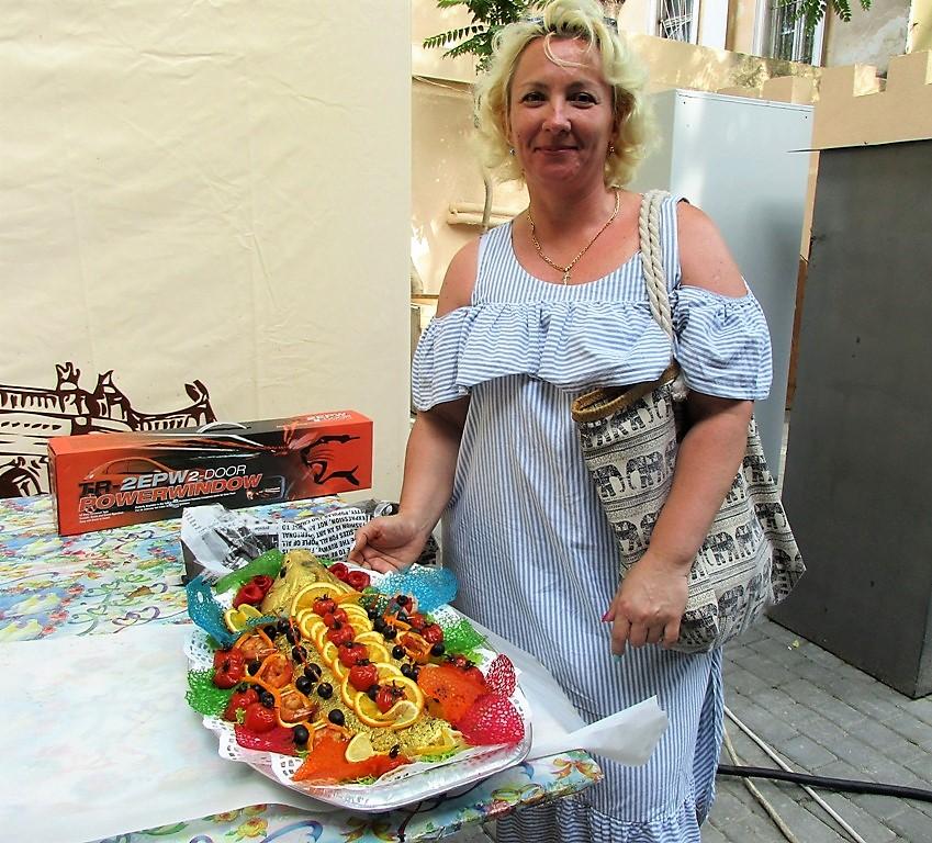 Лариса Кальницкая со своей золотой рыбкой