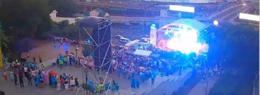 Металлическая конструкция упала во время концерта на Потемкинской лестнице
