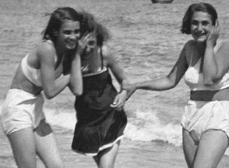 Как отдыхали на одесском пляже в 1933 году (фото)