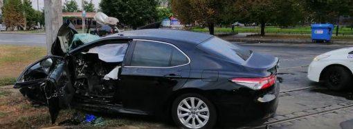 Два человека погибли и четверо травмированы в ДТП на Люстдорфской дороге
