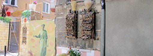 Вход во двор в Мукачевском переулке одесситы превратили в сказку